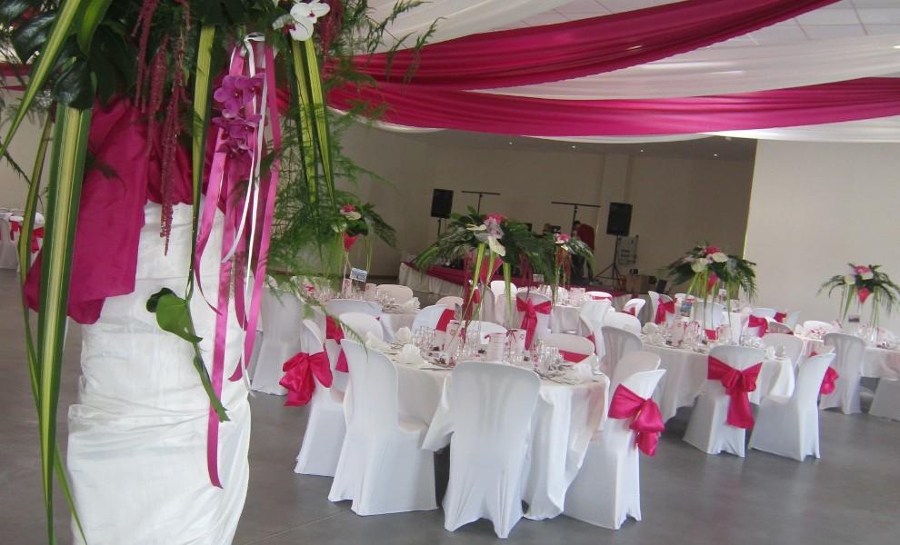Location salle de mariage au touvet for Arnal decoration